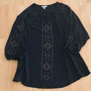 Dressbarn beaded Vneck tunic